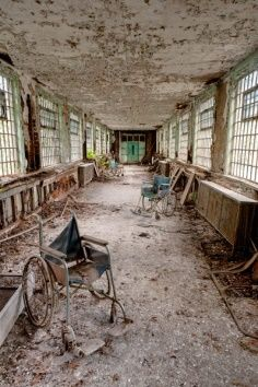 Bizarre Abadoned Hospital