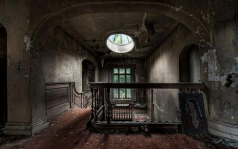 Abadoned Mansion Inspiration