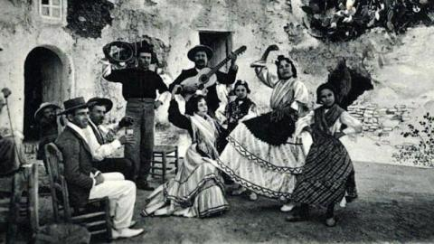 Gitanos Cuevas In Sacromonte Granada featured In The Luna Legacy